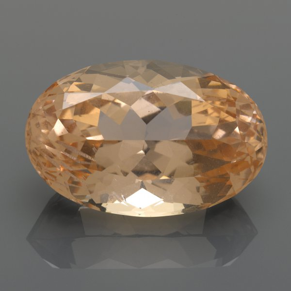 Large oval-cut morganite, approximately 146.5 carats, 41.5 x 27.0 x 21.5 mm, to be offered at Bonhams Los Angeles on May 20 (est. $8,000–10,000).