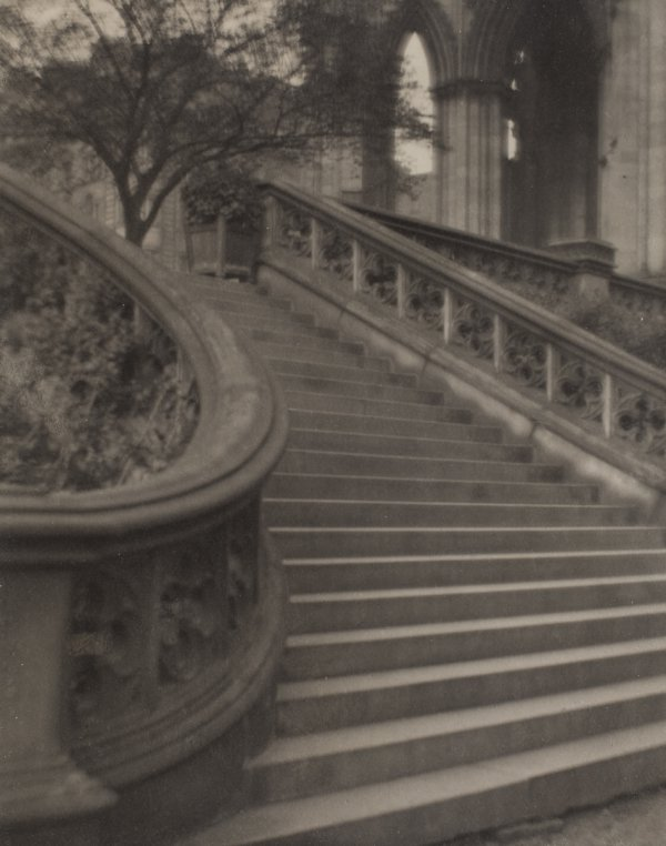Alvin Langdon Coburn, The Steps to the Scott Memorial