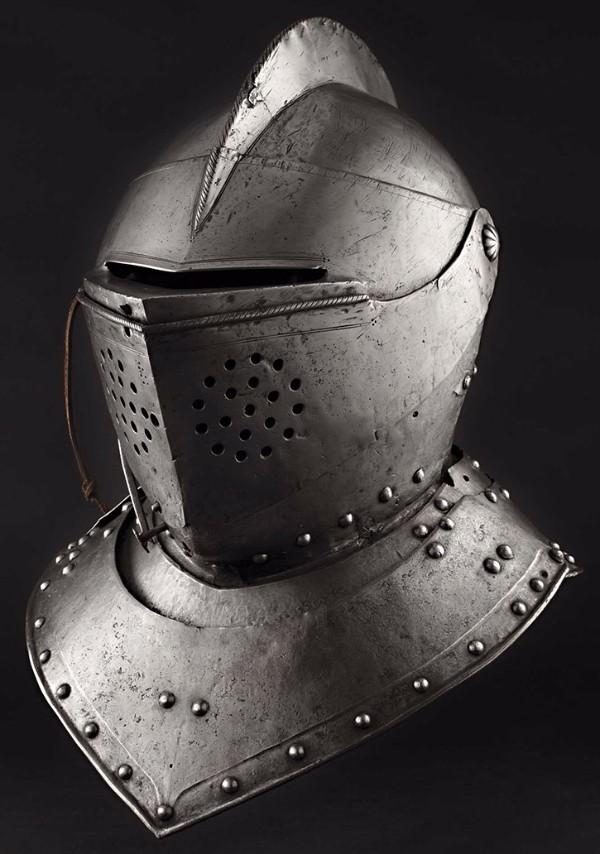 A South German tournament helmet