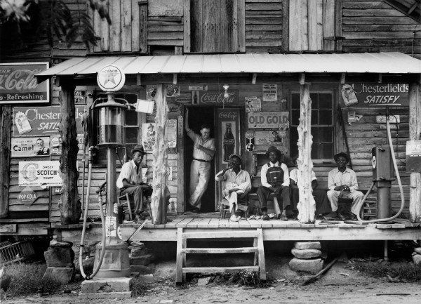 Dorothea Lange, Crossroads General Store, Gordonton, North Carolina, 1939