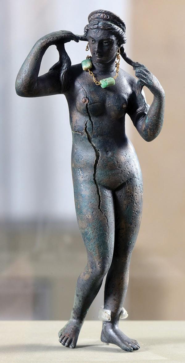 Statuette of Aphrodite Anadyomene, circa 1st–2nd century